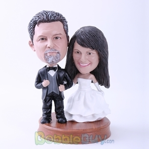 Picture of Black Suit Groom and White Dressed Bride Bobblehead