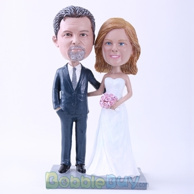 Picture of Bride And Groom Arm In Arm Bobblehead