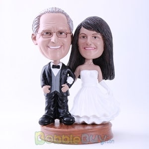 Picture of Bride and Groom Hand in Hand Bobblehead