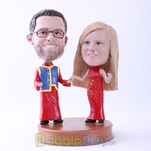 Picture of Couple in Traditional Chinese Clothing Bobblehead