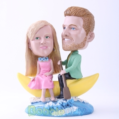 Picture of Couple on Banana Boat Bobblehead