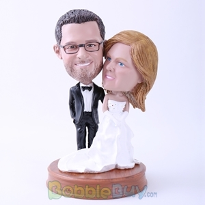 Picture of Groom in Black Suit and Bride in White Dress on Wedding Bobblehead