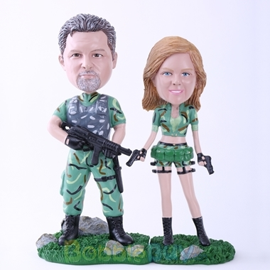Picture of Soldier Couple Ready for Battling Bobblehead