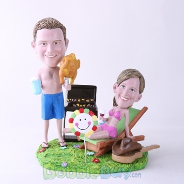 Picture of BBQ Theme Couple Bobblehead