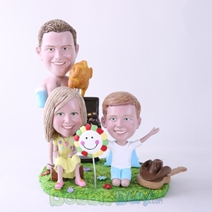 Picture of BBQ Theme Father & Daughter & Son Bobblehead