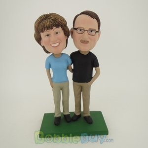 Picture of Arm Behind Each Other Couple On Golf Bobblehead