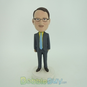 Picture of Business Man With Formal Style Bobblehead