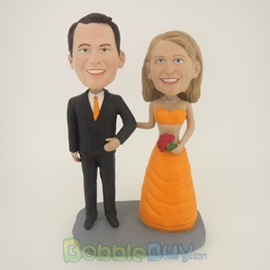 Picture of Happy Arms Linked Bride And Groom Bobblehead
