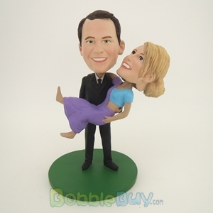 Picture of Holding Girlfriend Couple Bobblehead