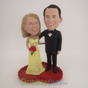Picture of Wedding Couple On Heart Bobblehead